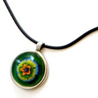 METAL AND GLASS FLOWER PENDANT ON CORD NECKLACE
